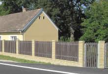 Ukázka moderního plotu s vrátky